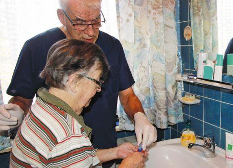 Mundhygiene bei Pflegebedürftigen