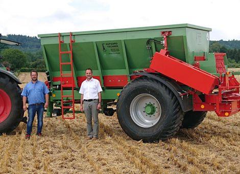 Hufgard stellt Kalkstreuer  für Großflächen bereit