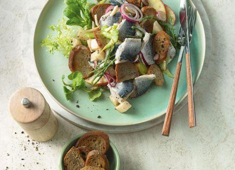 Skandinavischer Fischsalat  mit Bismarck-Hering