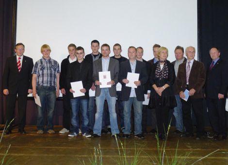 Die diesjährigen Absolventen der Berufsschule Bebra.