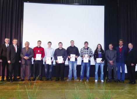 Die diesjährigen Absolventen von der Berufsschule in Limburg.