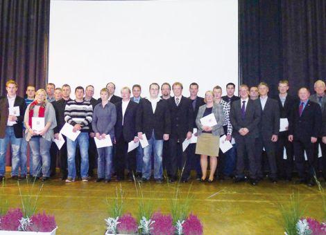 Beim Tag der landwirtschaftlichen Ausbildung 2011 wurden außerdem die Absolventen nach BBiG 45,2 vorgestellt.
